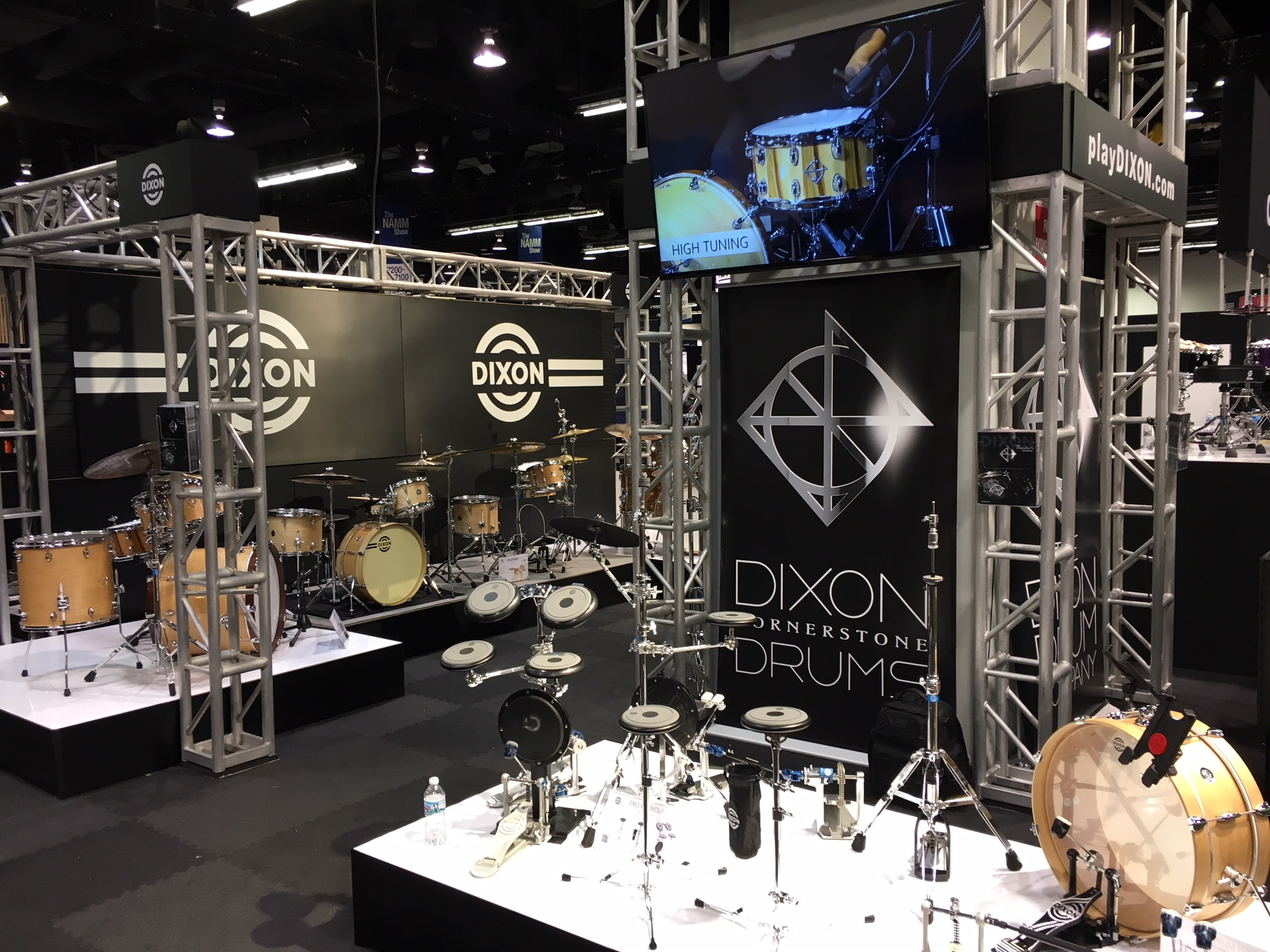 St Louis Music Upgrades 2 000 Sq Ft Trade Show Display With Greatmats Carpet Tiles