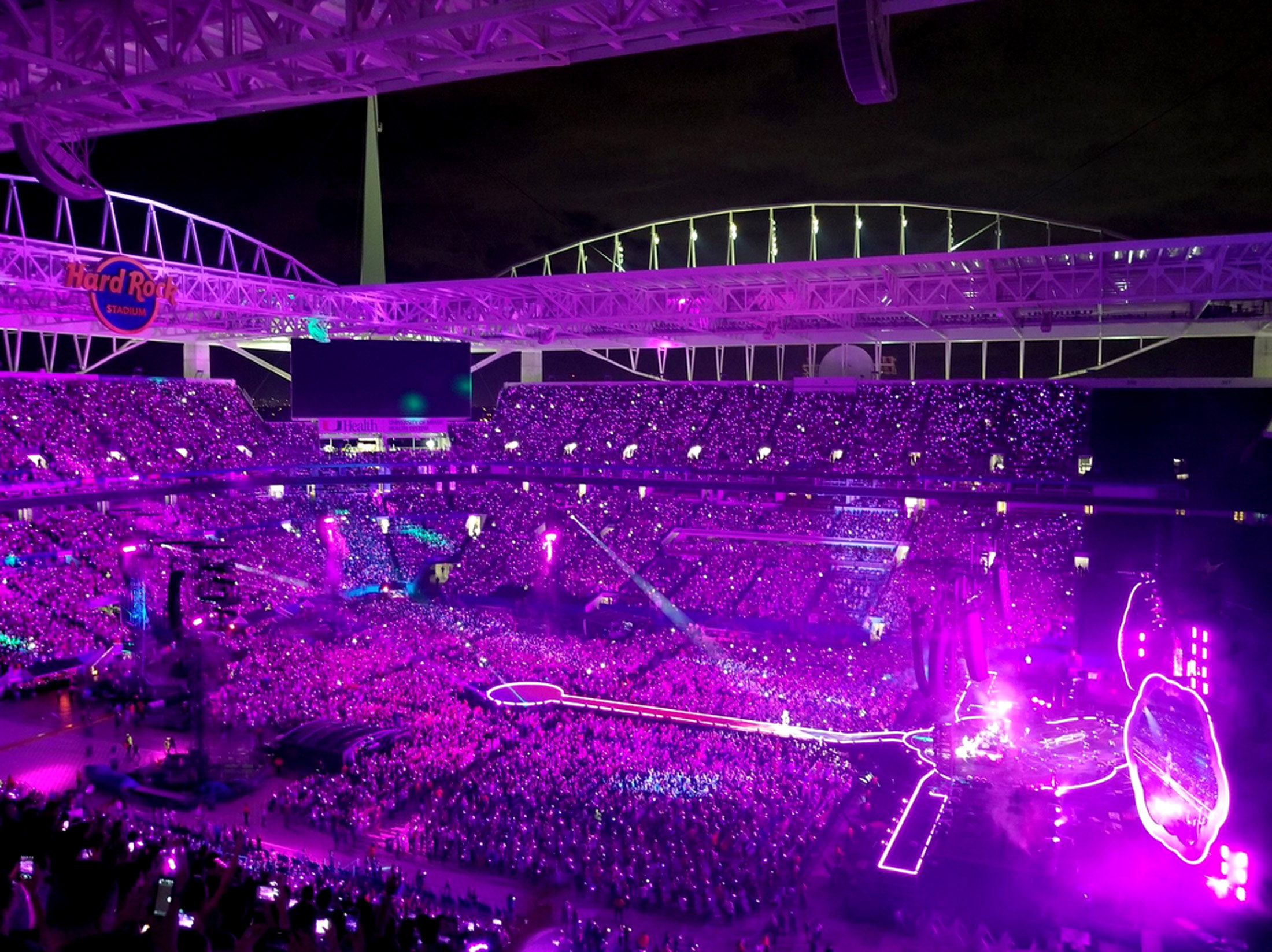 Coldplay S Brilliant Led Wristbands Light Up Miami S Hard