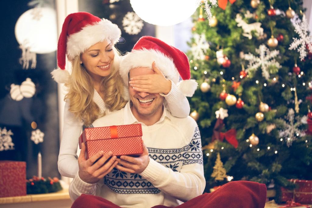 Что подарить парню на Новый год?   Женские Вопросы